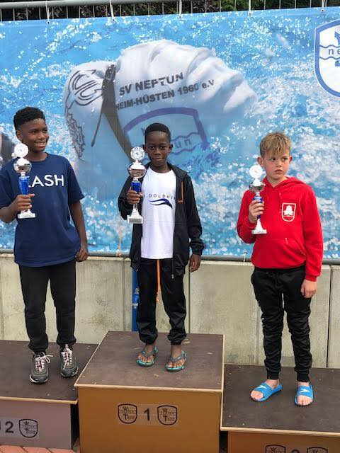 Kelvin Abdallah Jnr wins Gold at Swimfest